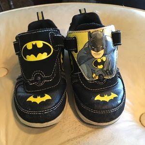 Batman size 9 tennis shoe